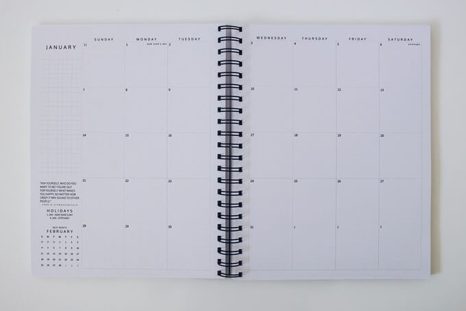 Viewing your month at a glance provides adequate space so you can stay on track with your goals while ensuring you complete all the tasks you need to do.